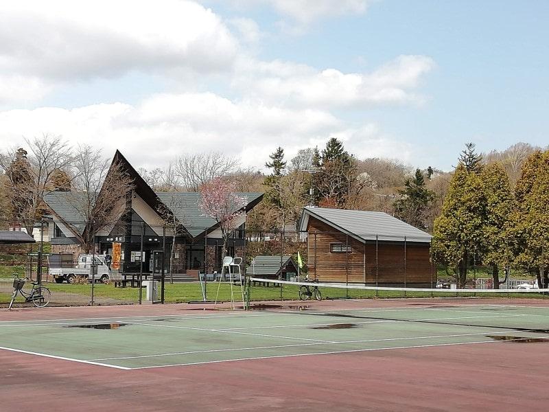 鶴沼公園テニスコート